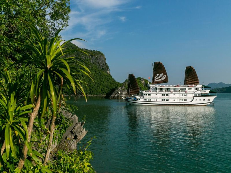 Bhaya Classic Cruise, Halong Bay