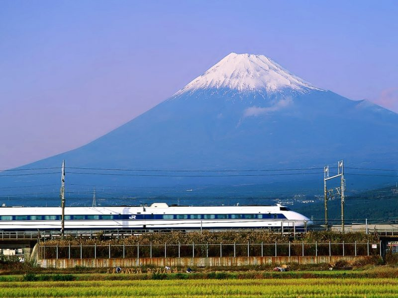 high speed bullet train fuji japan