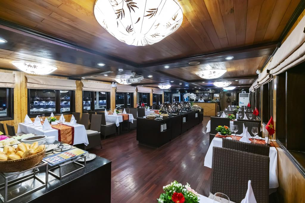 dining syrena cruise halong bay vietnam