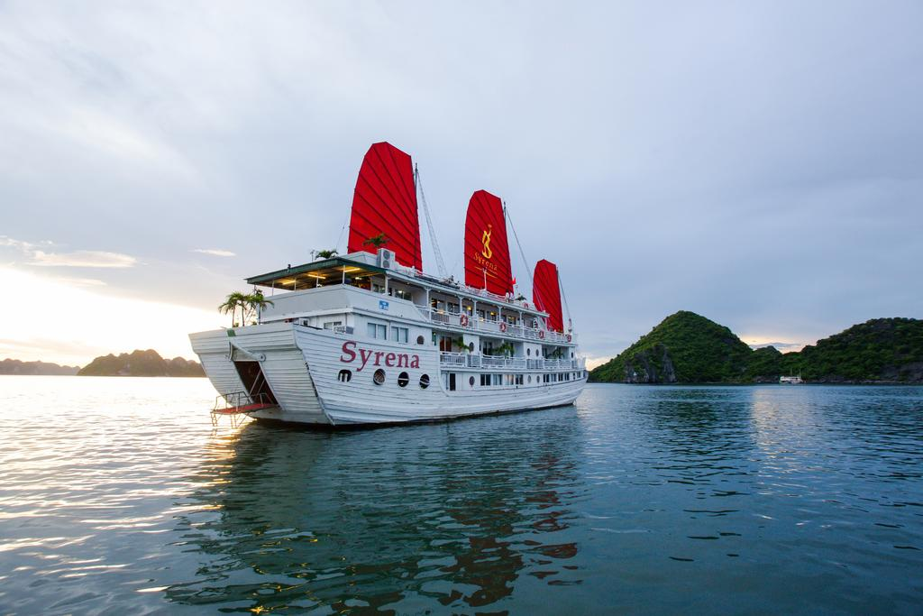 syrena cruise halong bay vietnam